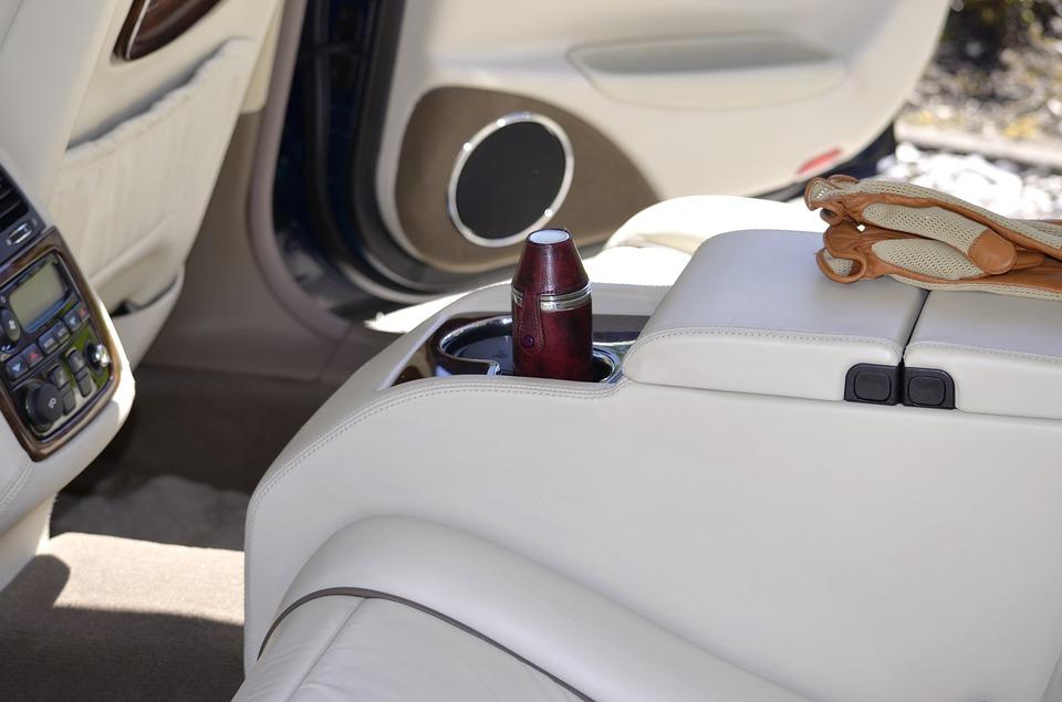 Kompleksowe pranie tapicerki w samochodzie